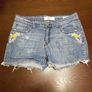 VGS Women's Embellished Floral Shorts Size 10